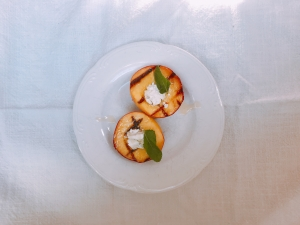grilled peaches w goat cheese